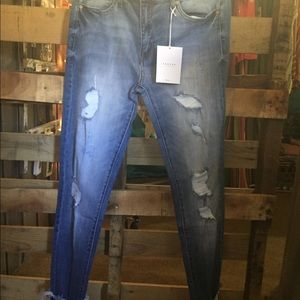 Size 13/30 Kancan distressed jeans